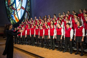 Los Angeles Children's Chorus and Artistic Director Anne Tomlinson / Photo by Jamie Pham