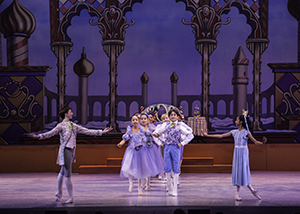 "LA Youth Ballet's ""Nutcracker"" / Photo by Iker Gutierrez"